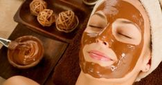 7 Amazing Homemade Face Masks All Brides Can Try To Detox Their Skin, Right Before Wedding Tired and dull face can add years to your face. Here are some natural detoxifying facial masks that can make you give glowing skin before your wedding. Chocolate Facial, Chocolate Face Mask, Chocolate Syrup, Best Homemade Face Mask, Diy Face Mask, Skin Detox, Before Wedding, Facial Treatment, Make Up