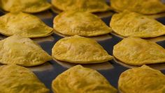 Patty research project by 2011 Sociology class at the College of New Rochelle, New York. A patty must know its roots. Jamaican Patty, Brown Stew Chicken, Standard Recipe, Lunch Specials, Beef Patty, Island Food, Jamaican Recipes, Caribbean Recipes, Lunch Snacks