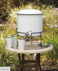 Vintage Enamelware by Crow Canyon - 14.5 QT Beverage Dispenser with Metal Stand (V300)