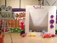 Mike TV photo booth. Willy Wonka - Charlie and the Chocolate Factory Theme
