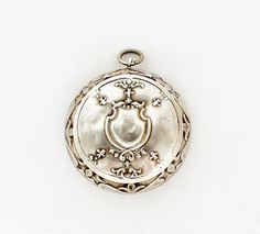 Hey, I found this really awesome Etsy listing at https://www.etsy.com/listing/129480143/antique-french-powder-compact-pendant