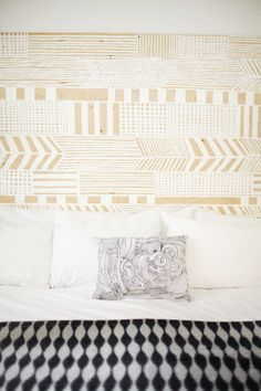patterned headboard | http://www.100layercakelet.com/2013/07/19/vancouver-newborn-photography-by-gucio-photography/