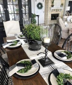 Farmhouse Dining Room Table, Dining Room Table Decor, Deco Table, Decoration Table, Dining Room Design, Decor Room, Farmhouse Decor, White Farmhouse, Centerpiece Ideas