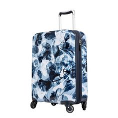Beautiful inside and out, this lightweight Ricardo Beaumont Hardside Spinner Luggage offers convenient organization, sturdy hardside protection, and signature smooth-motion handling to help you get around easily. Carry On Suitcase, Carry On Luggage, Girls Luggage, Cute Suitcases, Luggage Sizes, Lightweight Luggage, Hardside Spinner Luggage, Cute Backpacks, Travel Organization