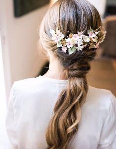 coleta novia Celestial Wedding, First Communion, Her Hair, Headpiece, Wedding Hairstyles, Wedding Day, Glamour, Hair Styles, Instagram Posts