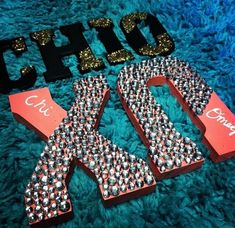 I wanna decorate my letters like this!