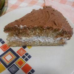 Pan di Spagna farcito con panna montata e ricoperto con glassa al cioccolato. .♥..#pandispagna#cioccolato#chocolat#cake#kitchen#italianfood#family#love