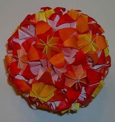 Origami kusudama lily