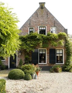 farmhouse, Maarssen, The Netherlands. Dream House Exterior, Dream House Plans, Beautiful Buildings, Beautiful Homes, Woodland House, Period Living, Dutch House, Belgian Style, English House