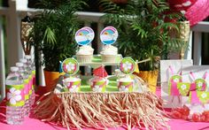 DIY Hula Skirt Cake Plate from thecelebrationshoppe.com