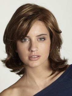 Wavy Layered Hairstyles for round faces