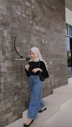 Hijab Fashion Summer, Modern Hijab Fashion, Street Hijab Fashion, Muslim Women Fashion, Hijab Fashion Inspiration, Korean Fashion, Style Hijab Simple, Simple Outfits, Simple Ootd