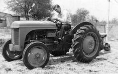 Old Photos cars in Rhodesia Car Photos, Car Ins, Tractors, Birth, Zimbabwe, Vehicles, River, Image, Autos