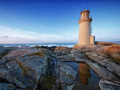 Faro da Virxe da Barca / Virxe da Barca Lighthouse by Juan J. Lamas on 500px