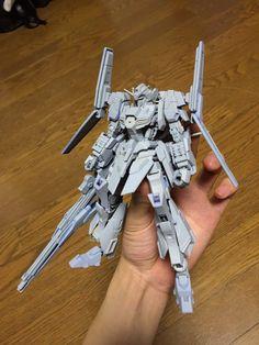 Embedded image Gundam Build Fighters, Zeta Gundam, Gundam Custom Build, Gunpla Custom, Gundam Model, Mobile Suit, Art Model, Plastic Models, Robots