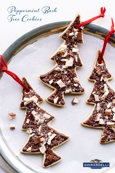 Give chocolate-frosted sugar cookies a festive touch by topping them with our signature Peppermint Bark chocolate. Get the recipe for these Ghirardelli Peppermint Bark Tree Cookies here: Christmas Tree Cookies, Christmas Cookie Exchange, Christmas Treats, Holiday Treats, Christmas Foods, Christmas Cupcakes, Christmas 2015, Holiday Cookies, Holiday Desserts