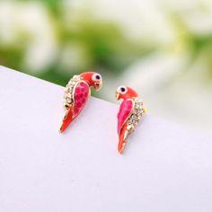 Купить товар2015 новинка кристалл серьги любовный животных красная птица ухо серьги E047 в категории Серьги-гвоздикина AliExpress.