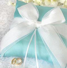 Turquoise Wedding Add a black ribbon beautiful!