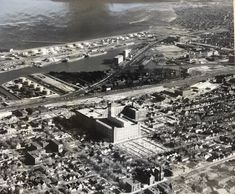 The Allen-Bradley plant can be seen in the center of this aerial view looking to the southeast toward Lake Michigan. Milwaukee Skyline, Milwaukee Road, Lake Michigan, Wisconsin, Best Cities, Planet Earth, Aerial View, Paris Skyline, City Photo