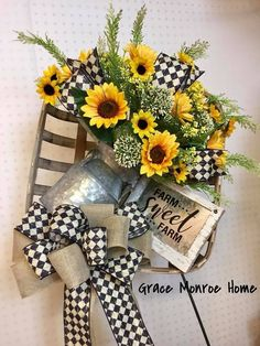 How to Make a Farmhouse Wreath - Tobacco Basket Arrangement - Summer Wreath - Sunflower Wreath - Wreath Ideas - DIY Country Wreaths, Fall Wreaths, Burlap Wreaths, Ribbon Wreaths, Door Wreaths, Farmhouse Style Decorating, Farmhouse Decor, Fall Decorating, Country Farmhouse