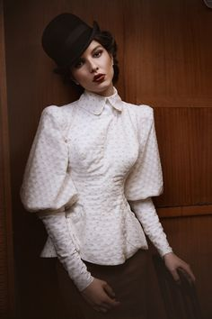 really like these sleeves plus the collar, all in white