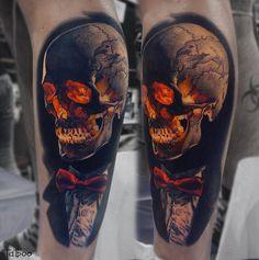 Smart Skull by Valentina Riabova. http://tattooideas247.com/skull-suit/
