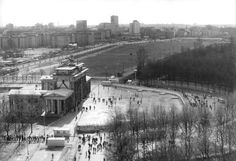 Thumbnail for version as of 9 December 2008 West Berlin, Berlin Wall, History Of Germany, Brandenburg Gate, Cities In Europe, Places To Travel, Paris Skyline, San Francisco, City