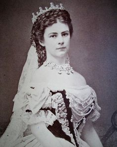 1867 Empress Elizabeth photo by Emil Rabending in high resolution