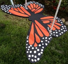 Hey, I found this really awesome Etsy listing at http://www.etsy.com/listing/97199937/monarch-butterfly-swing-tree-swing-rope