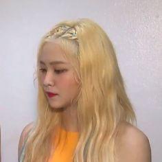 Image about girl in red velvet icons by abby on We Heart It Seulgi, Red Velvet イェリ, Chuu Loona, Kim Yerim, Peek A Boos, Korean Girl Groups, Kpop Girls, My Girl, Most Beautiful