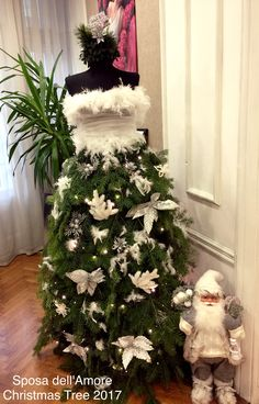 Christmas Tree 2017-2018 #Feather #silverflowers #christmastreedress