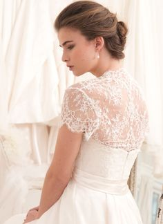 french-lace-modified-sweetheart-a-line-wedding-dress.jpg (799×1099)