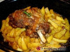 quick and easy Greek Recipes, Pork Recipes, Cooking Recipes, Pork Dishes, Tasty Dishes, Cyprus Food, Greek Cooking, Happy Foods, Mediterranean Recipes