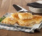 Apple Pie, Feta, Food And Drink, Desserts, Tailgate Desserts, Deserts, Postres, Dessert, Apple Pie Cake