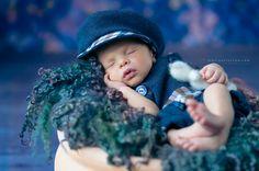 Primele zile din viata unui nou-nascut sunt fascinante, parintii pot imortaliza si transforma in amintiri acele momente printr-o sedinta foto nou nascuti.