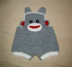 Ida - - - -Ravelry: Baby Sock Monkey Overalls, Buttons at legs for easy change pattern by Cathy Ren Crochet Baby Pants, Crochet Car, Crochet Bebe, Crochet For Boys, Cute Crochet, Baby Overalls, Baby Jeans, Baby Jumpsuit, Baby Patterns