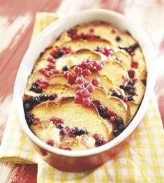Marjainen pullavanukas Flan, Tasty Pastry, Sweet Pastries, Food Inspiration, Sweet Recipes, Kaneli, Baking Recipes, Food To Make, Sweet Tooth
