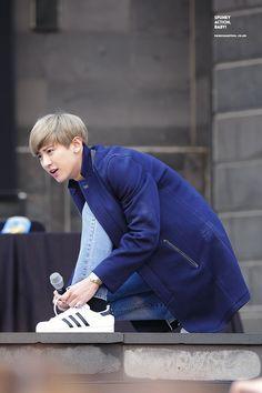 Ngất ngây vẻ đáng yêu khó cưỡng của EXO khi co ro vì lạnh - Kenh14.vn