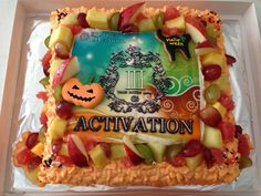 ハロウィンバージョン 中央写真印刷 Birthday Cake, Halloween, Desserts, Food, Tailgate Desserts, Birthday Cakes, Meal, Dessert, Eten
