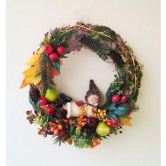 jesený veniec lesný škriatok 30 cm Christmas Wreaths, Halloween, Holiday Decor, Home Decor, Decoration Home, Room Decor, Home Interior Design, Home Decoration, Spooky Halloween