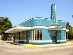 Streamline applies to architecture as well, especially when associated to transportation, as in Greyhound bus stations from the 1940s and 50s. 1940s Greyhound Station, Blytheville, Arkansas