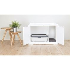 TRIXIE elegant Wooden Cat House and Litter Box (XL) is both sturdy and functional, and can be used as an indoor pet house or cat litter box. Hiding Cat Litter Box, Diy Litter Box, Hidden Litter Boxes, Litter Box Enclosure, Wooden Cat House, Outdoor Cats, Cat Furniture, Cat Room, Home Decor