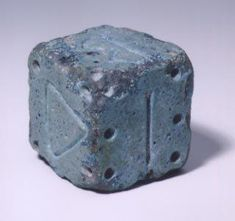 Egyptian dice (600-800 BC) Swiss Museum of Games