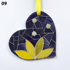 Items similar to Flower Burst Mosaic Heart Necklace on Etsy Mosaic Artwork, Mosaic Wall Art, Mosaic Diy, Mosaic Crafts, Mosaic Projects, Mosaic Glass, Glass Art, Christmas Mosaics, Christmas Ornaments
