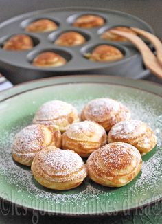 Ebelskivers aux pommes epicees (Danish pancakes with spiced apples) Sweet Desserts, No Bake Desserts, Ebelskiver Recipe, Drop Scones, Gourmet Recipes, Healthy Recipes, Scandinavian Food, Spiced Apples, Easy Cooking