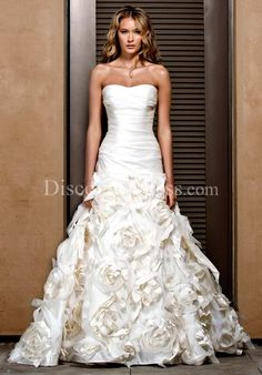 Ball Gown Sweetheart 100% Taffeta Chapel Wedding Dress Style