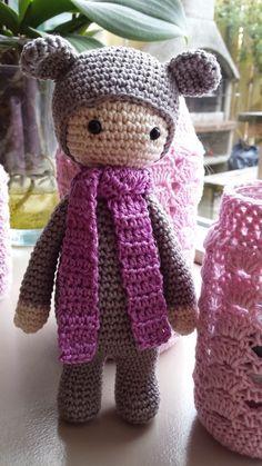 Кукла амигуруми в костюме мишки. Схема бесплатно.