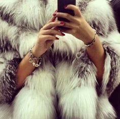 #fur #rednails
