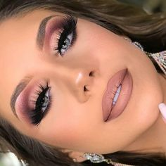 Gorgeous Makeup: Tips and Tricks With Eye Makeup and Eyeshadow – Makeup Design Ideas Cute Makeup, Glam Makeup, Gorgeous Makeup, Makeup Inspo, Eyeshadow Makeup, Bridal Makeup, Makeup Inspiration, Makeup Brushes, Makeup Looks