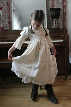 My Dear Guinevere - Victorian Little Girls Princess Dress, Classic Beauty Sz 4…